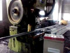 光伏型钢、C型钢、U型钢光伏太阳能支架打孔领航企业-金博利达
