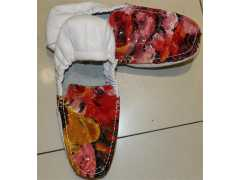 路桥欧典男装提供:漆花豆豆鞋