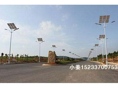 北京路灯杆厂家,北京6米太阳能路灯出厂价格