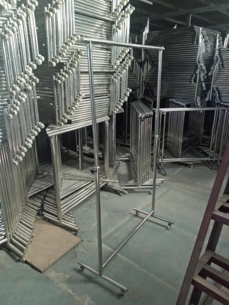 商场不锈钢挂衣架,挂衣杆,挂通,龙门架,折旧低价销售