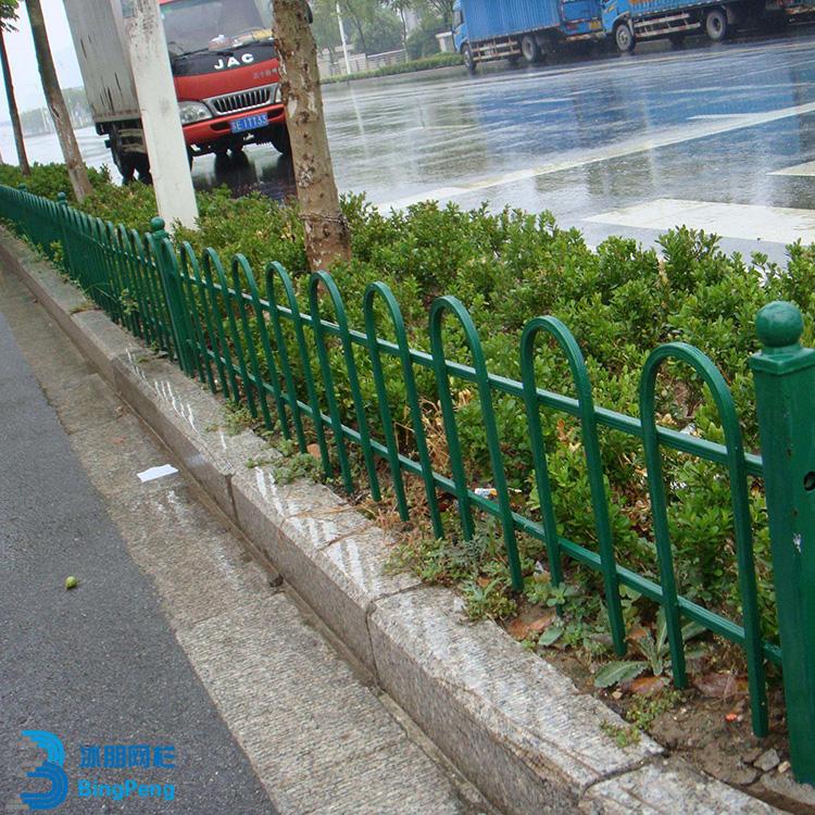 锌钢草坪防护栏专业厂家 铁艺草坪防护栏优质产品