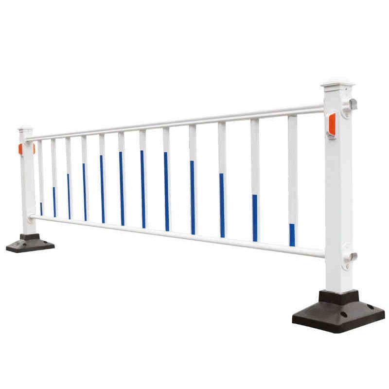 粤盾镀锌钢护栏城市道路护栏交通马路中央隔离栏市政公路定制