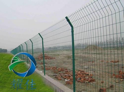 双边丝护栏网 厂家 性价比高-耀佳